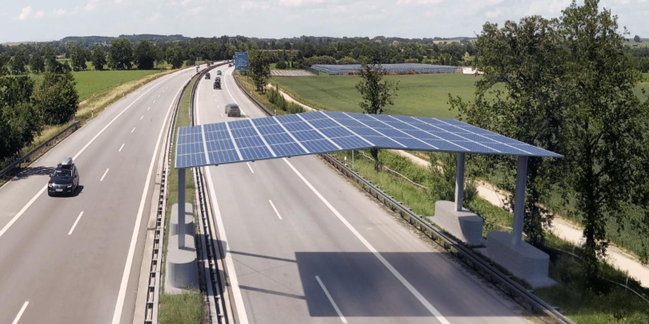 Над автомагистралями Германии установят солнечные крыши уже в 2022 году
