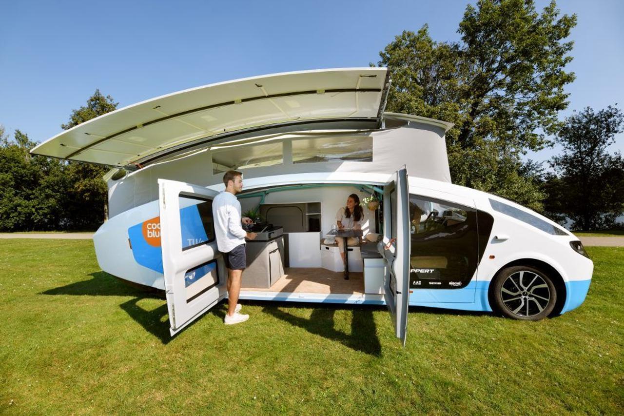 Автофургон на солнечной энергии Stella Vita обеспечит полноценное путешествие проехав за день 730 км