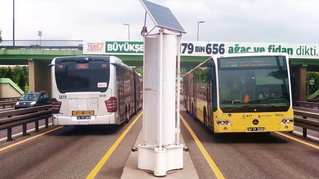 В Турции собирают энергию ветра прямо на улицах городов и автострадах
