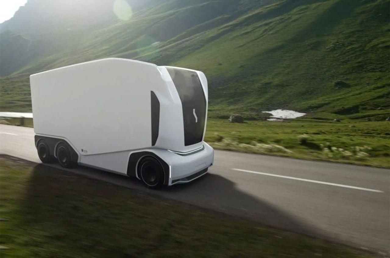 Автономный, беспилотный грузовик AET от шведского стартапа Einride