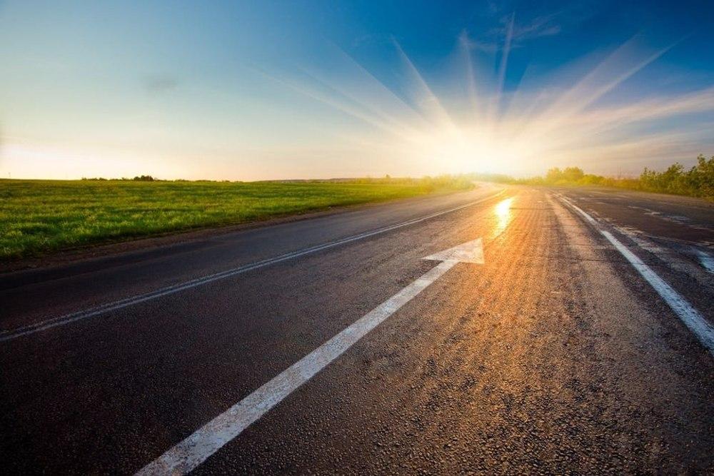 Новый материал для строительства качественных дорог: старые шины и строительный мусор