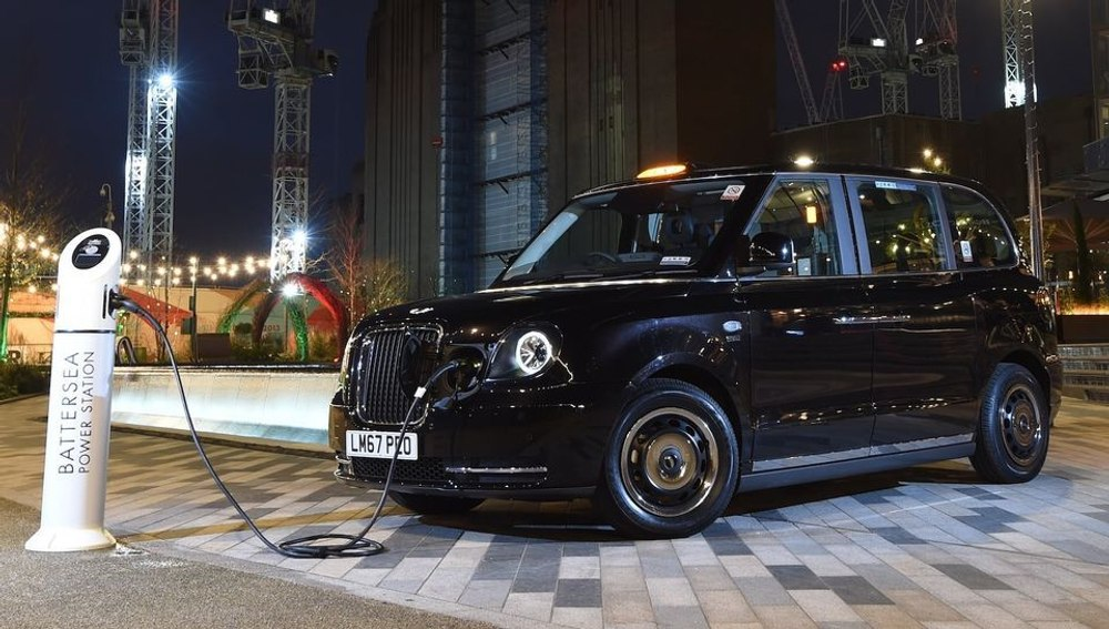 Великобритания к 2030 году полностью перейдет на электромобили