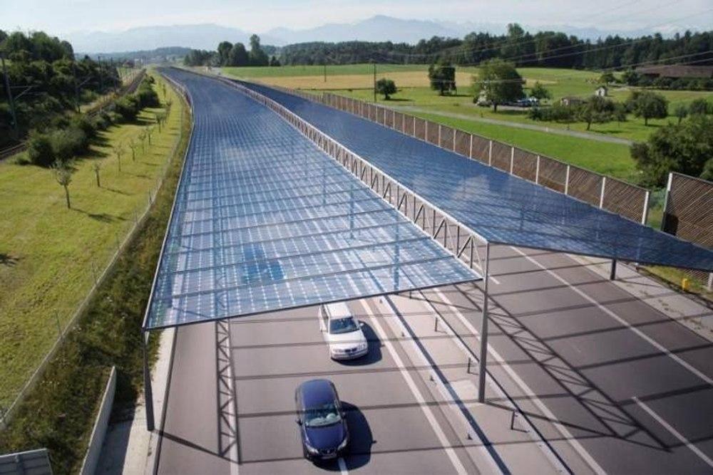 В Германии установят «солнечные крыши» над автомагистралями