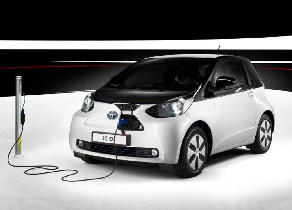 Toyota разрабатывает автономный дрон для заправки автомобилей «на ходу»