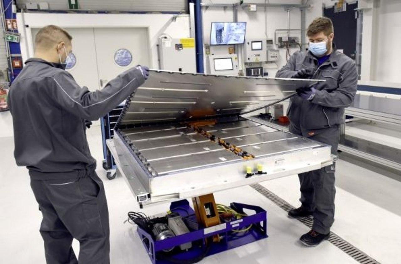 Volkswagen открывает завод по переработке аккумуляторов от электромобилей