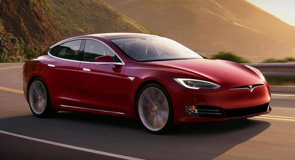 Как ценителю Tesla удалось получить полностью рабочую Model S всего за 15 000 долларов