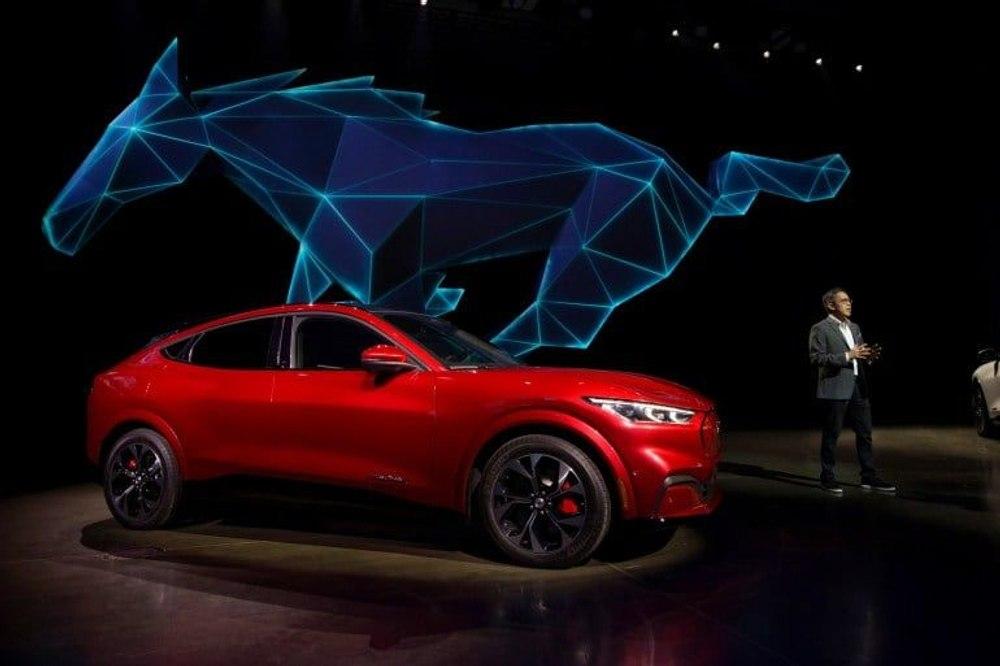Электрический Mustang Mach-E GT разгоняется от 0 до 100 км / ч всего за 3,5 секунды
