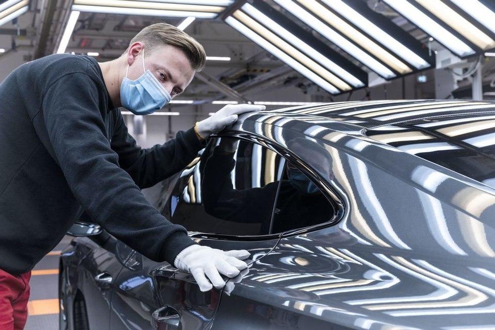 Audi начала производство электромобиля e-tron GT