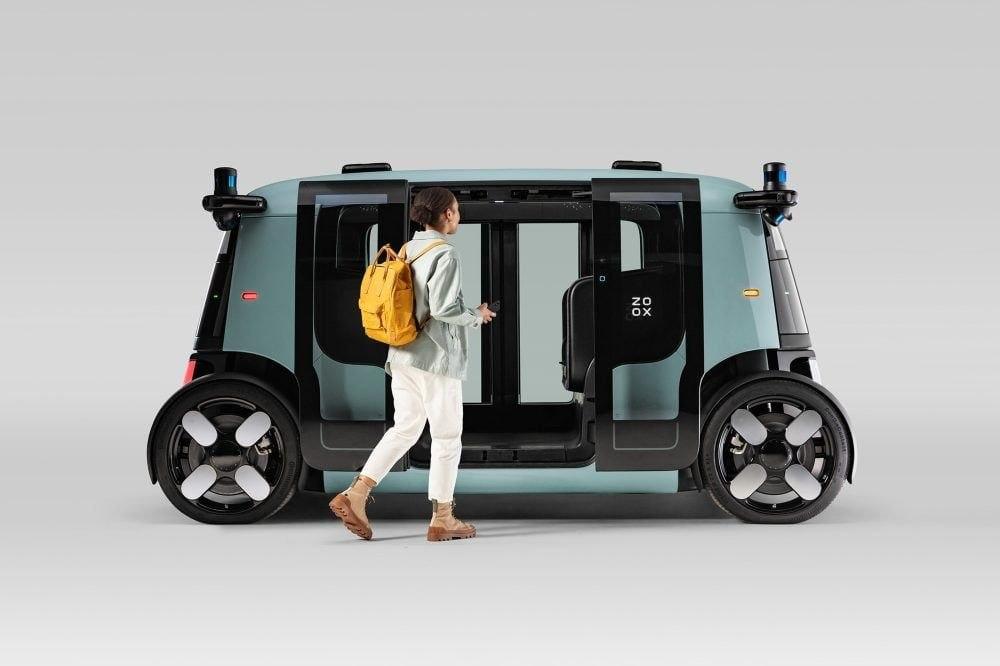 Zoox представил автономный электромобиль работающий до 16 часов без подзарядки