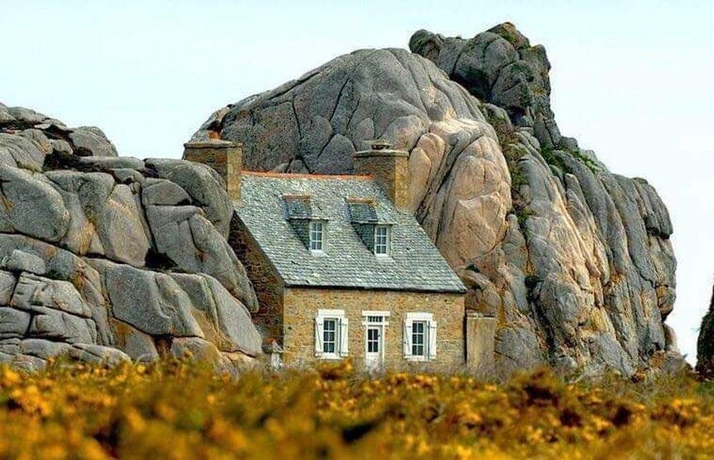 """""""Замок Мёр"""" - дом в скалах"""
