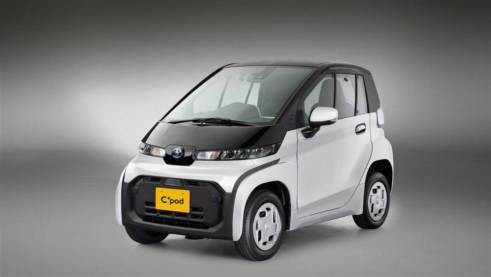Toyota представила мини электромобиль С+pod стоимостью $16 000