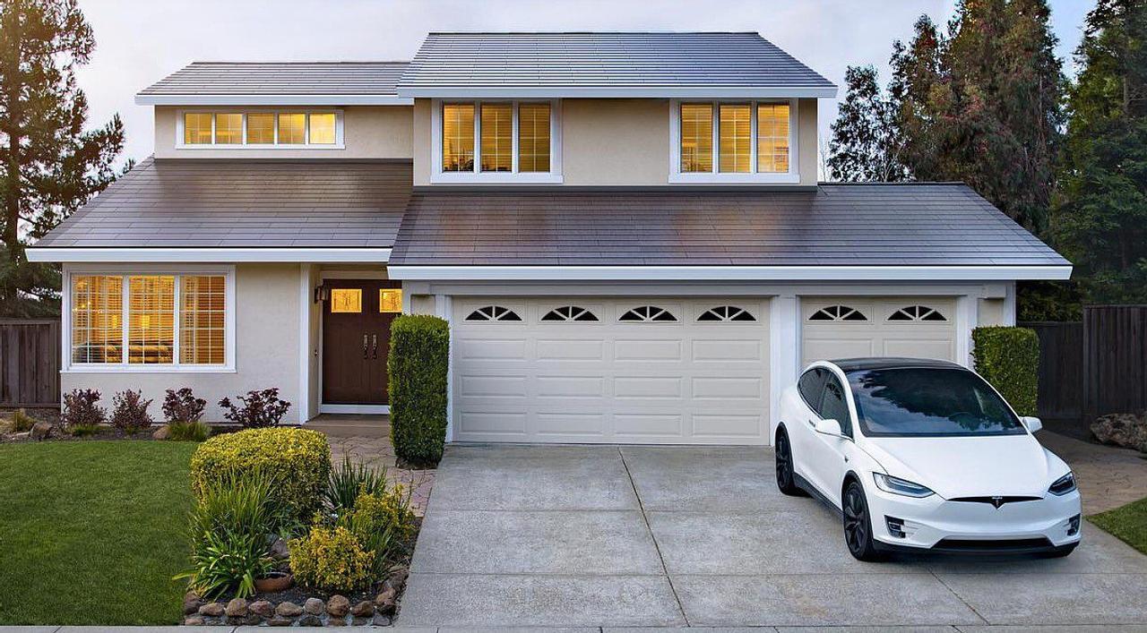 Tesla резко увеличила цену на свою солнечную черепицу, что разозлило клиентов