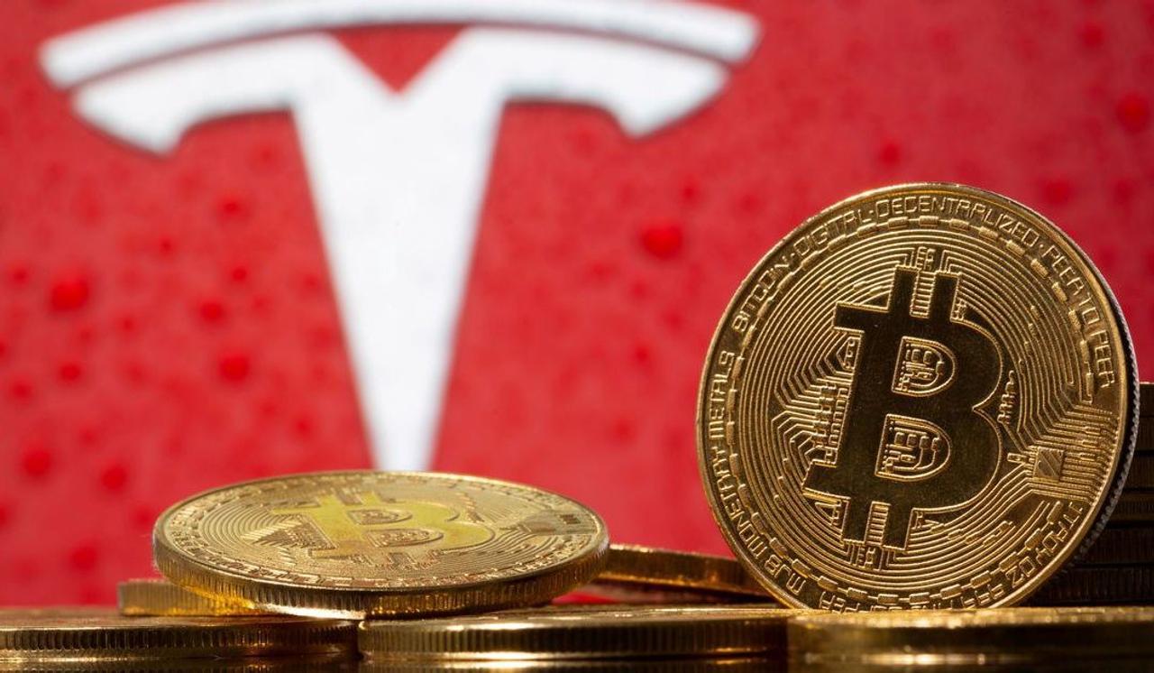 Илон Маск прекратил продажу электромобилей Tesla за Bitcoin, чем обвалил его курс