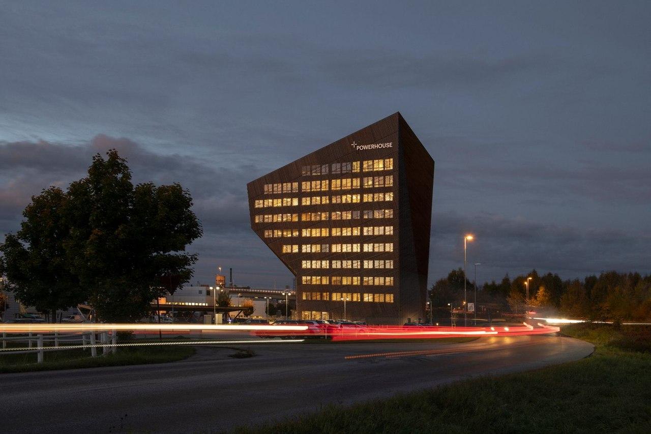 В Норвегии построили энергоэффективное здание, которое полностью работает от солнечной энергии, а излишки отдает в городскую сеть