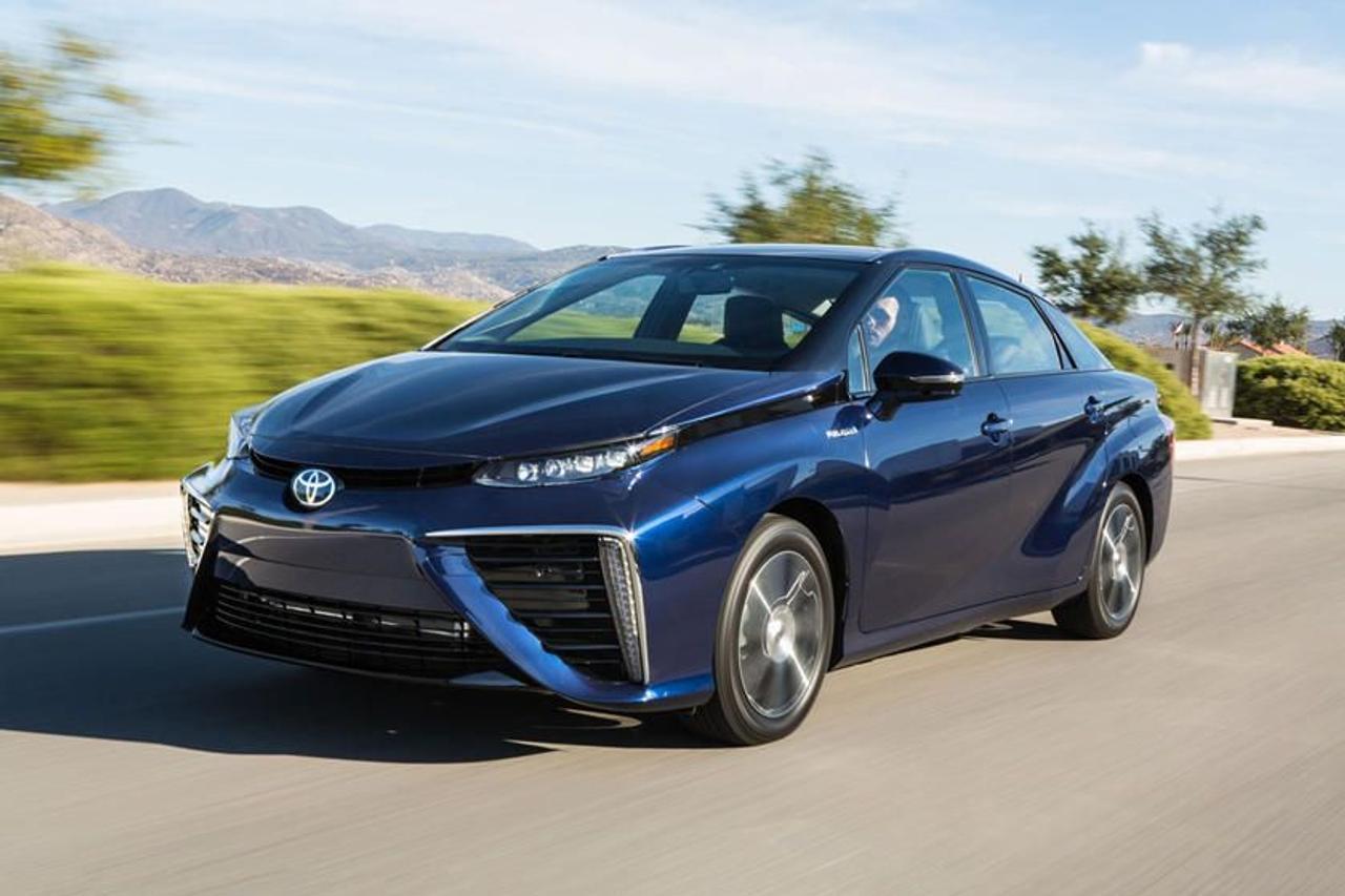 Toyota Mirai побила мировой рекорд дальности поездки на водороде - 1003 км на одном баке