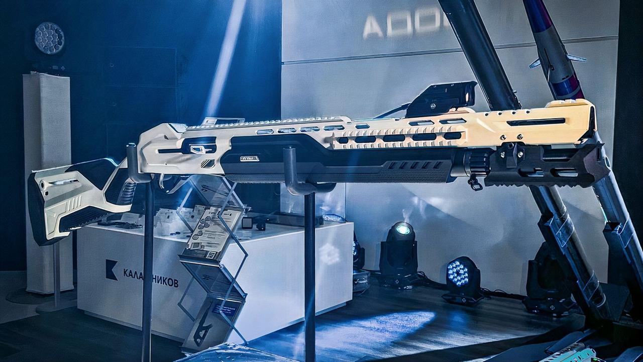 На выставке DEX 2021 в Абу-Даби был представлен первый в мире умный дробовик MP-155 Ultima  «Калашников» с Wi-Fi и Bluetooth