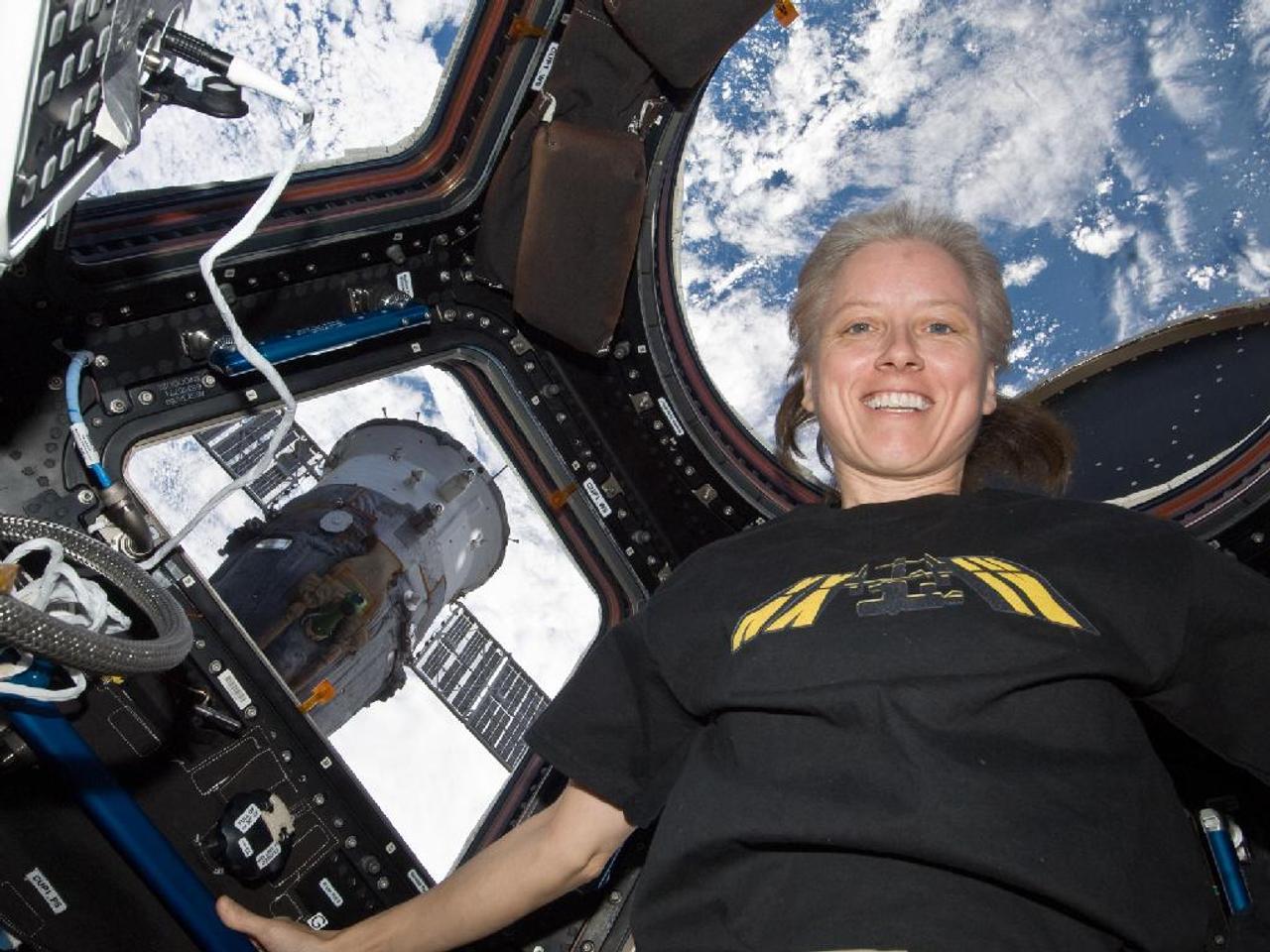 Впечатления астронавта NASA от полётов на космических кораблях Crew Dragon и «Союз»