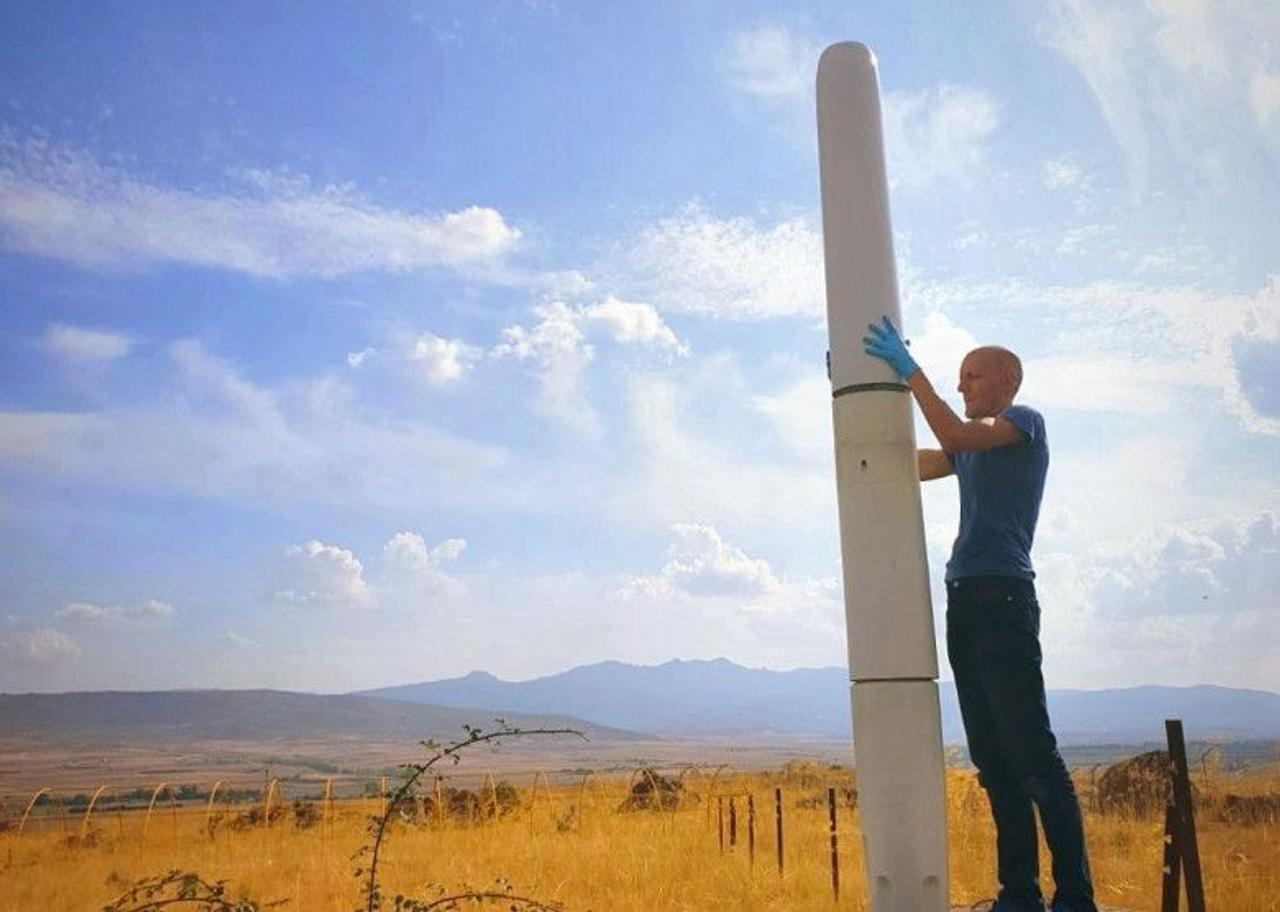 Безлопастные ветряные турбины Vortex вырабатывают электричество за счет вибрации
