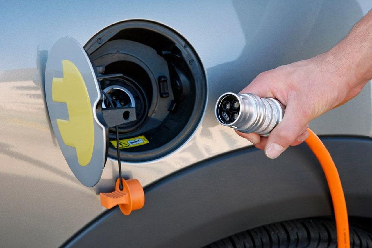 Новый губчатый материал позволяет прототипу литий-серной батареи безопасно выдерживать сотни циклов зарядка/разрядка