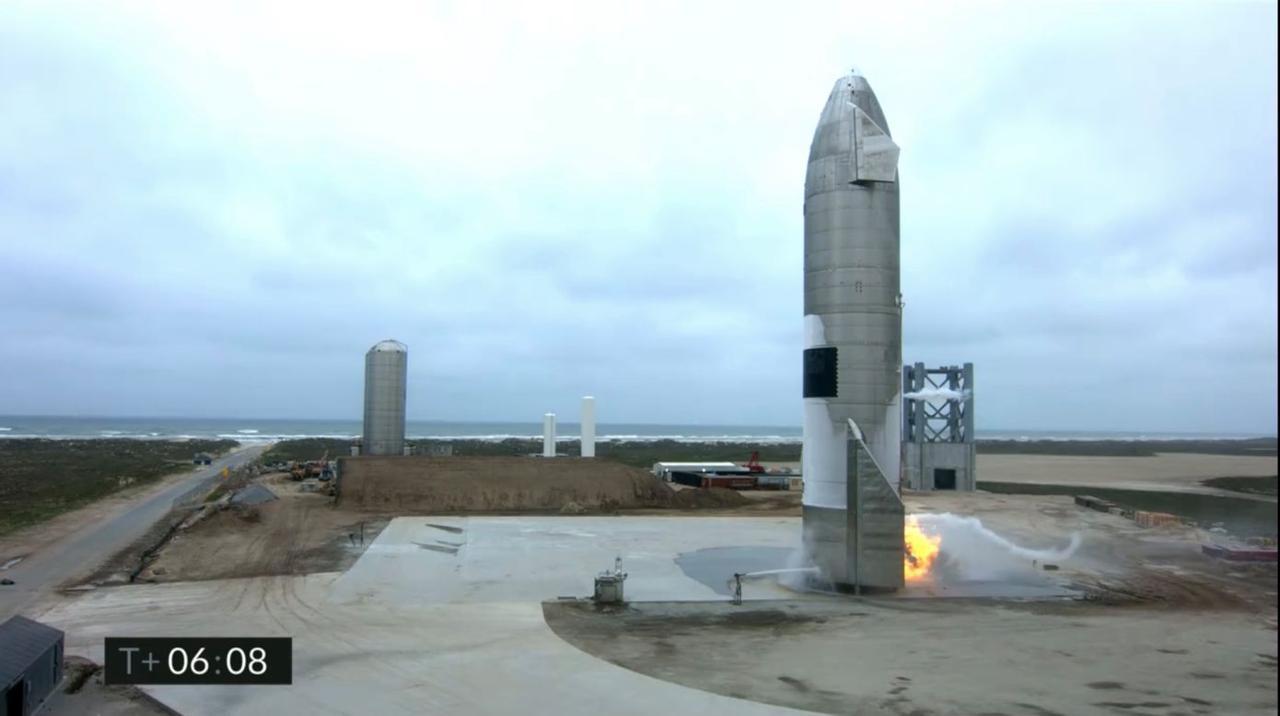 Состоялся первый успешный полет и приземление прототипа ракеты Starship SN15