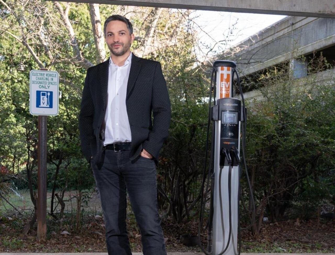Новая технология твердотельных аккумуляторов для электромобилей делает их более безопасными и дешевыми
