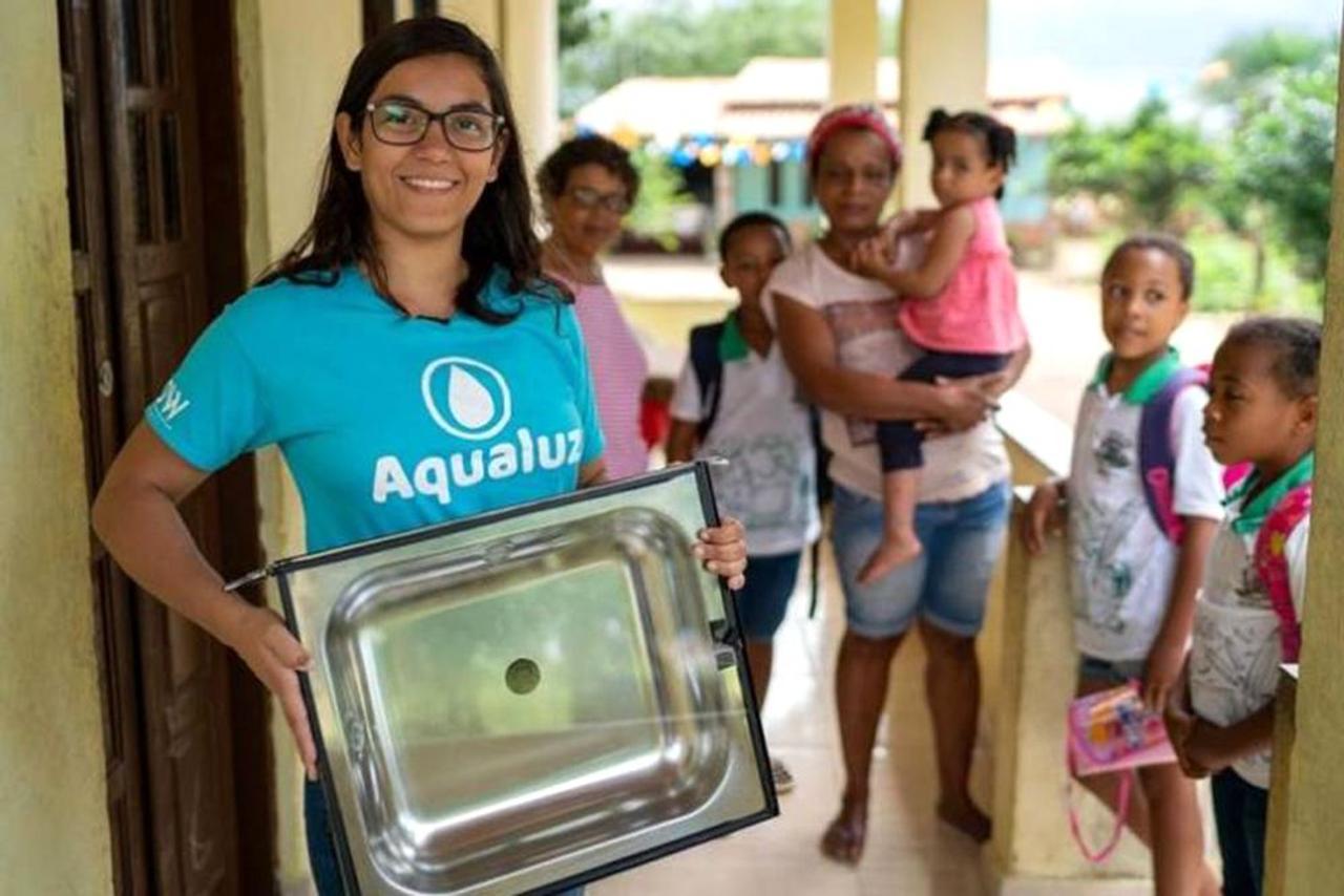 Молодой изобретатель получила награду ООН за фильтр, очищающий воду солнечным светом