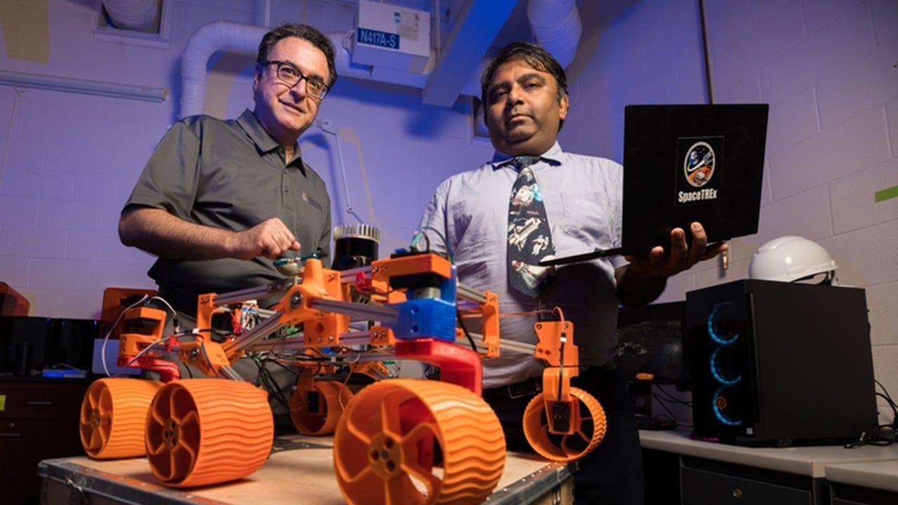 Строить и добывать полезные ископаемые на Луне будут автономные роботы