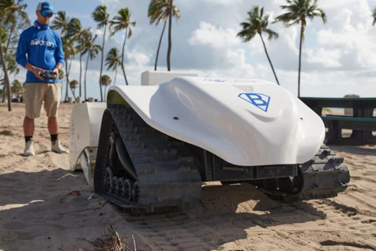 Робот BeBot на солнечной энергии создан для очистки пляжей от пластикового мусора