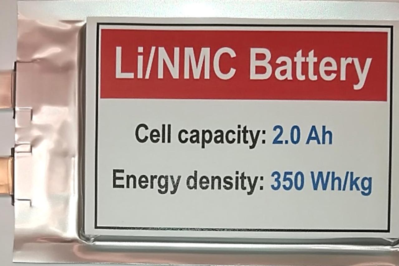 Новая литий-металлическая батарея сохраняет свою функциональность более 600 циклов