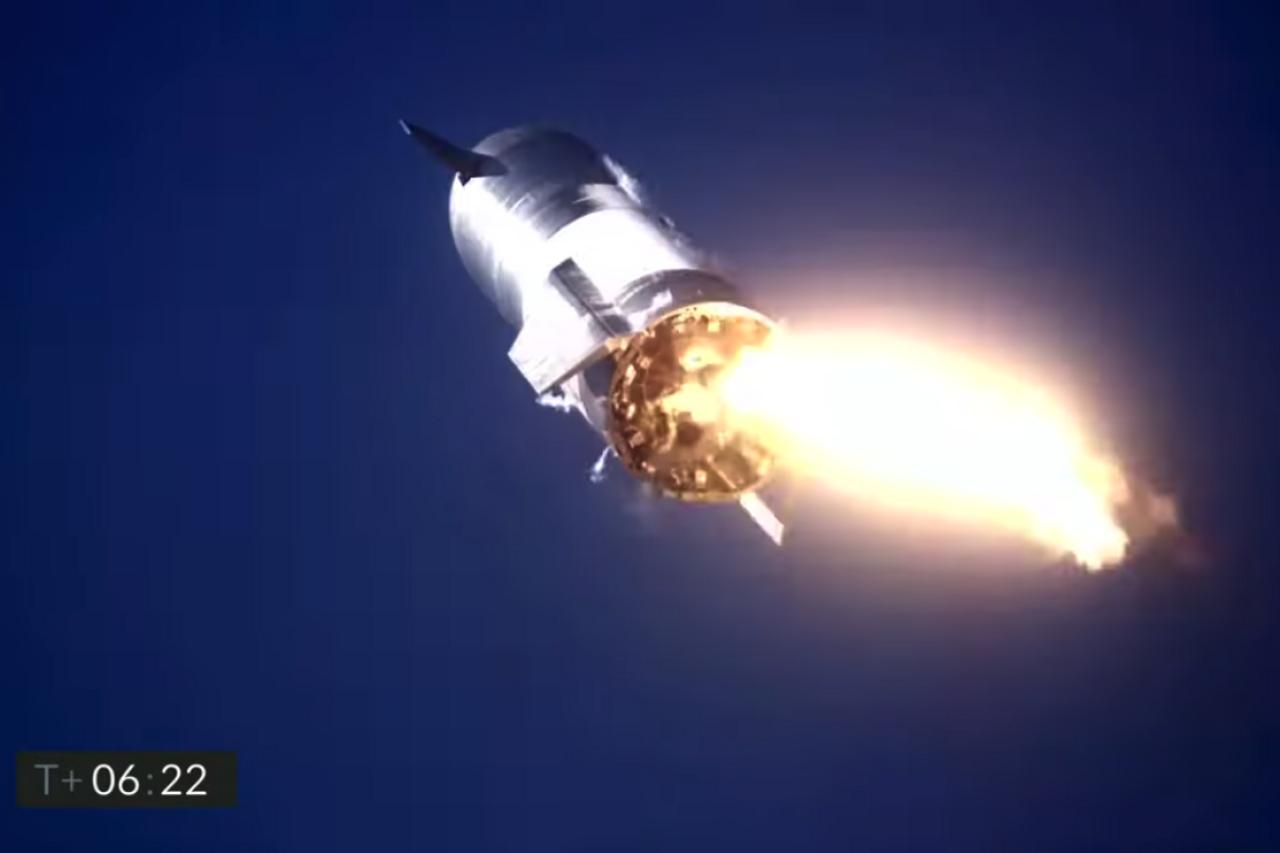 Космический корабль Starship совершил первую удачную посадку ... но затем взорвался
