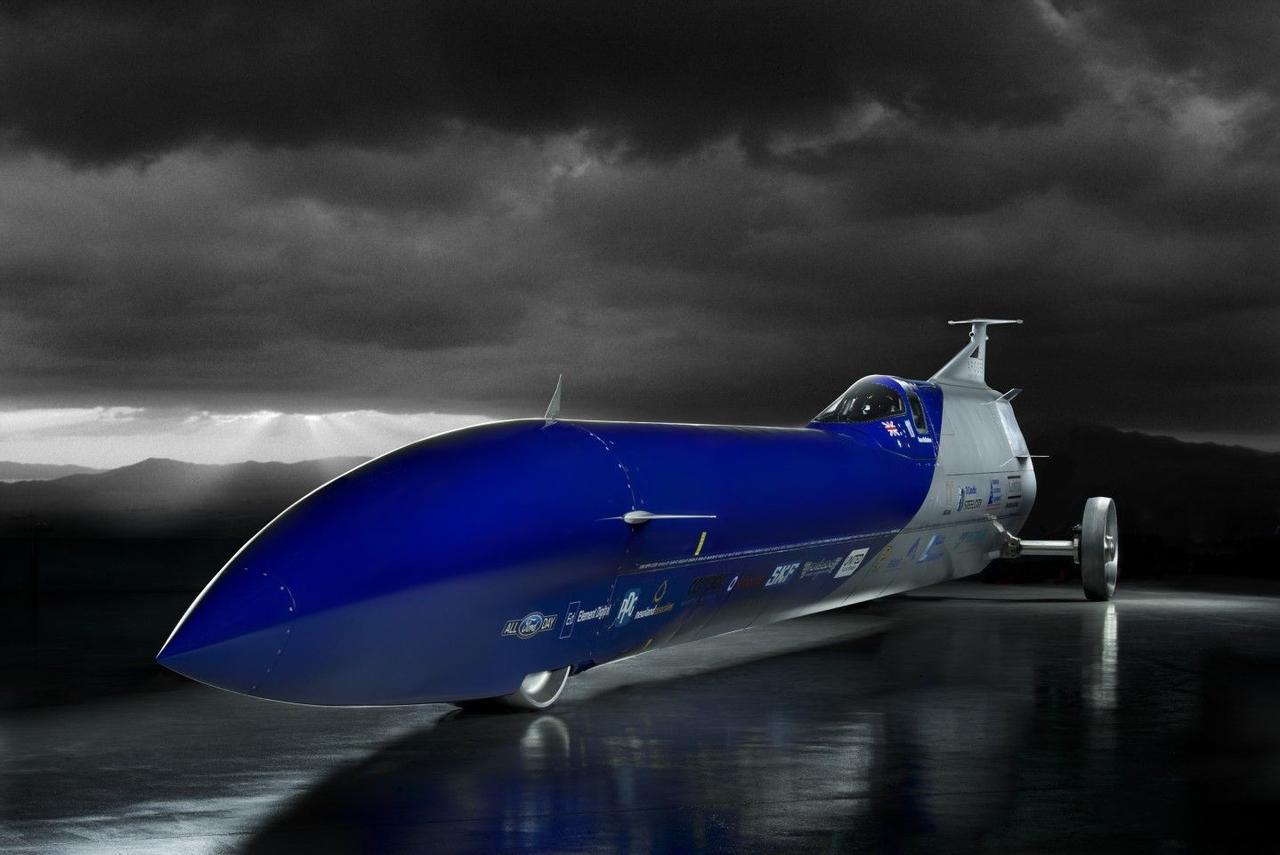 «Ракетомобиль» Aussie Invader 5R мощностью 200 000 лошадиных сил готовится установить новый рекорд скорости - 1609,3 км / ч