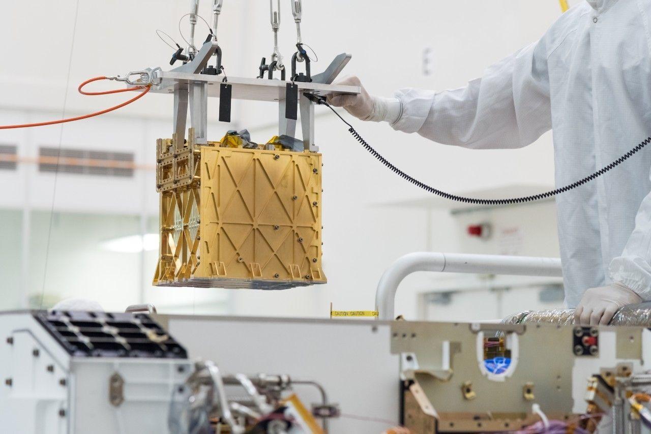 Марсоход NASA Perseverance, впервые извлек кислород из марсианской атмосферы