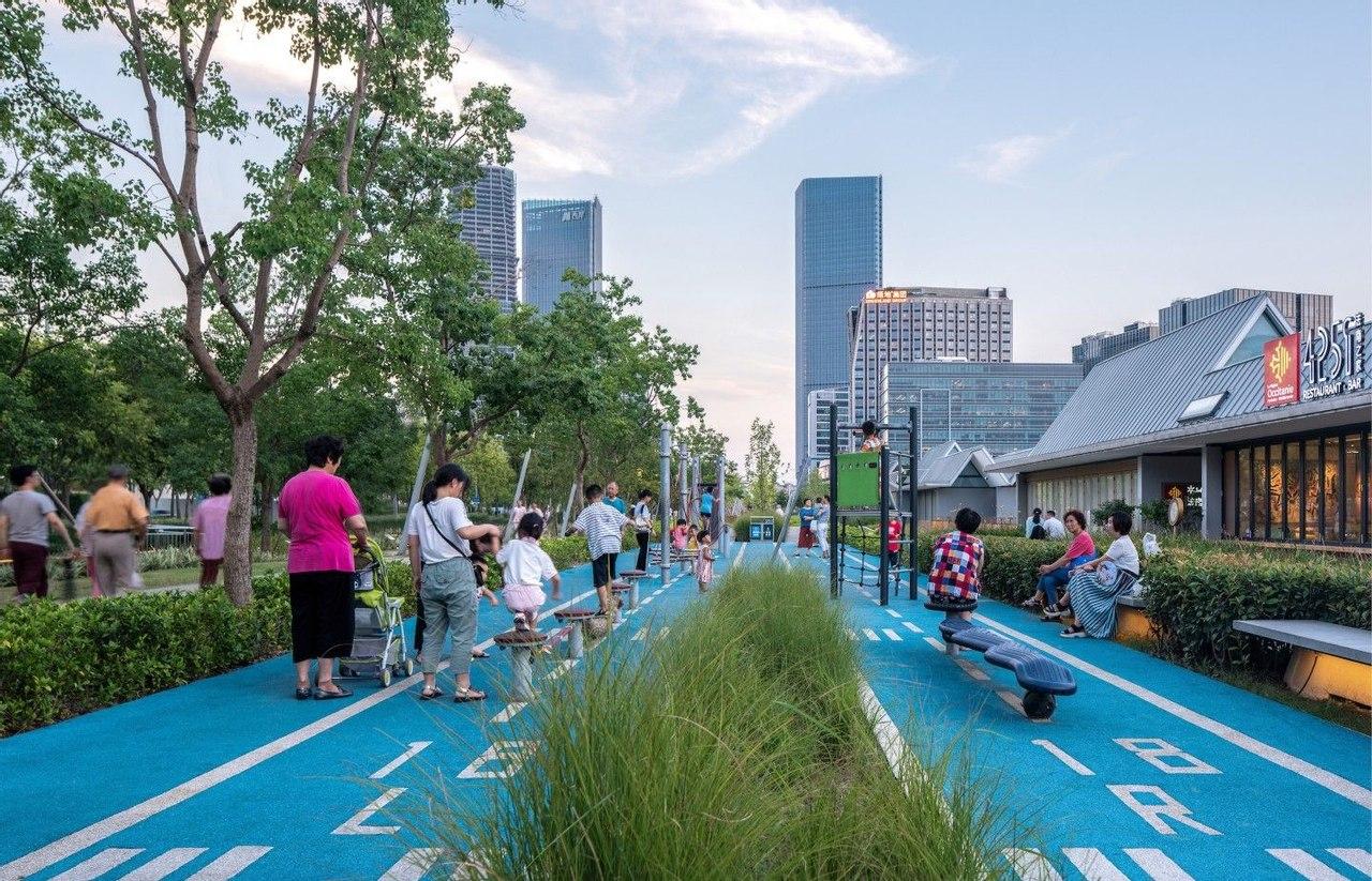 Заброшенную взлетно-посадочную полосу превратили в прекрасный общественный парк