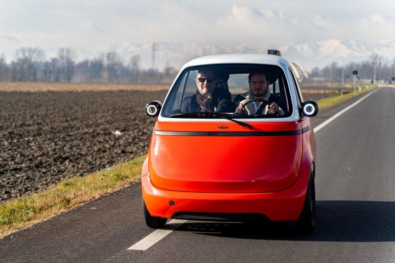 Команда разработчиков, построила и испытала прототип электромобиля - пузыря Microlino 2.0