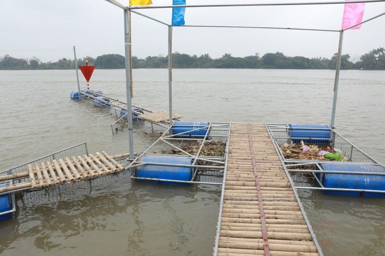 Во Вьетнаме создали недорогую «мусорную - ловушку» для удаления из рек плавающего мусора и пластиковых отходов
