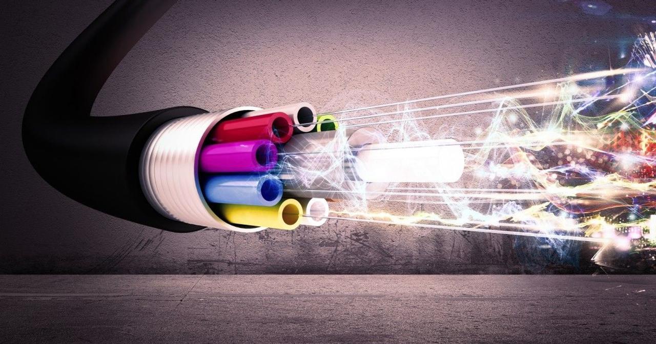 Toshiba побила рекорд квантовой связи, установив 600 км оптических волокон