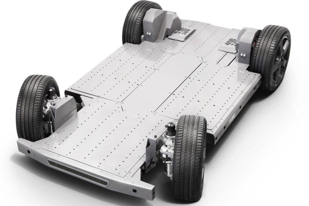REE, производитель уникальных модульных шасси для электромобилей, начинает массовое производство
