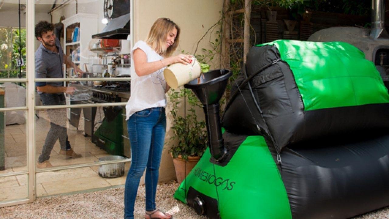 HomeBiogas разработала установку, которая, производит биогаз и удобрения из органических отходов в домашних условиях