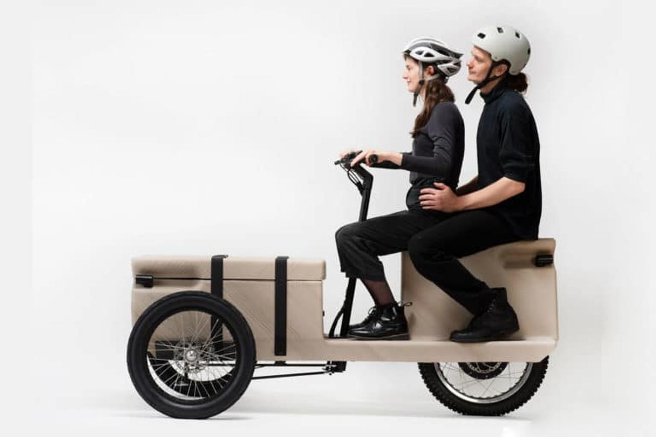 Электрический трехколесный велосипед ZUV, печатают на 3D-принтере из переработанных пластиковых отходов