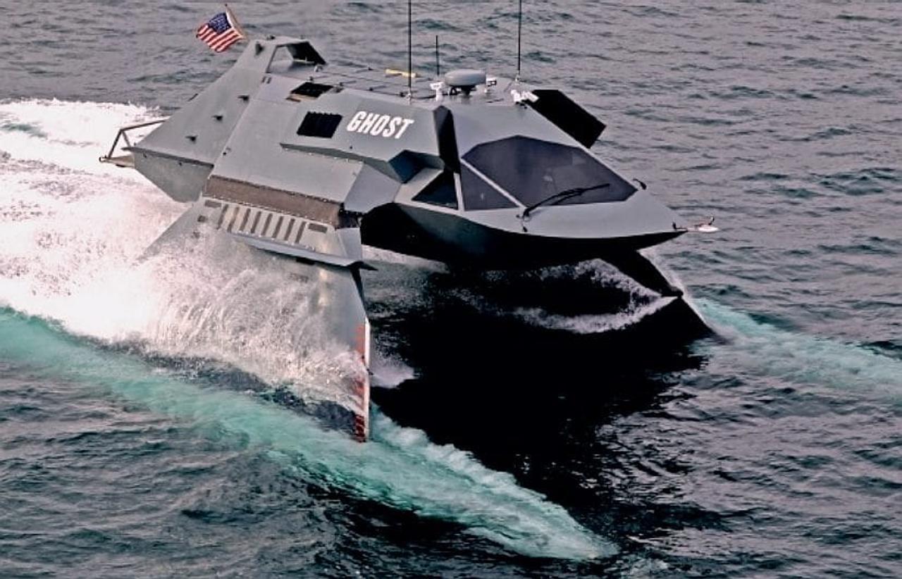 Катер - невидимка GHOST создан для разведывательных миссий, развивает скорость более 30 узлов, дальность действия 800 км