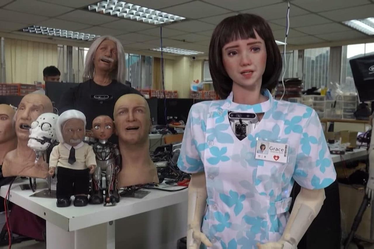 Grace, человекоподобный робот, создан для здравоохранения и помощи больным