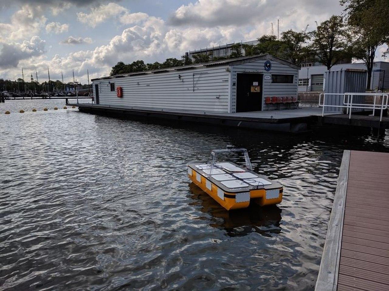 В MIT разработали автономную роботизированную лодку для перевозки людей и грузов по каналам Амстердама