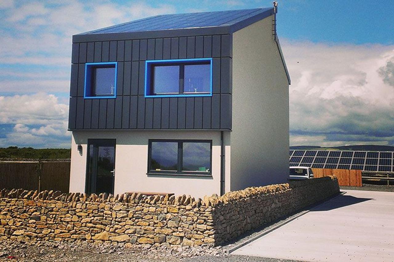 Solcer Home - серийный дом, который вырабатывает в два раза больше энергии, чем потребляет