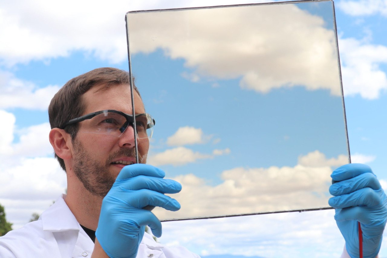Люминесцентные, солнечные окна генерируют электричество как снаружи так и внутри помещения