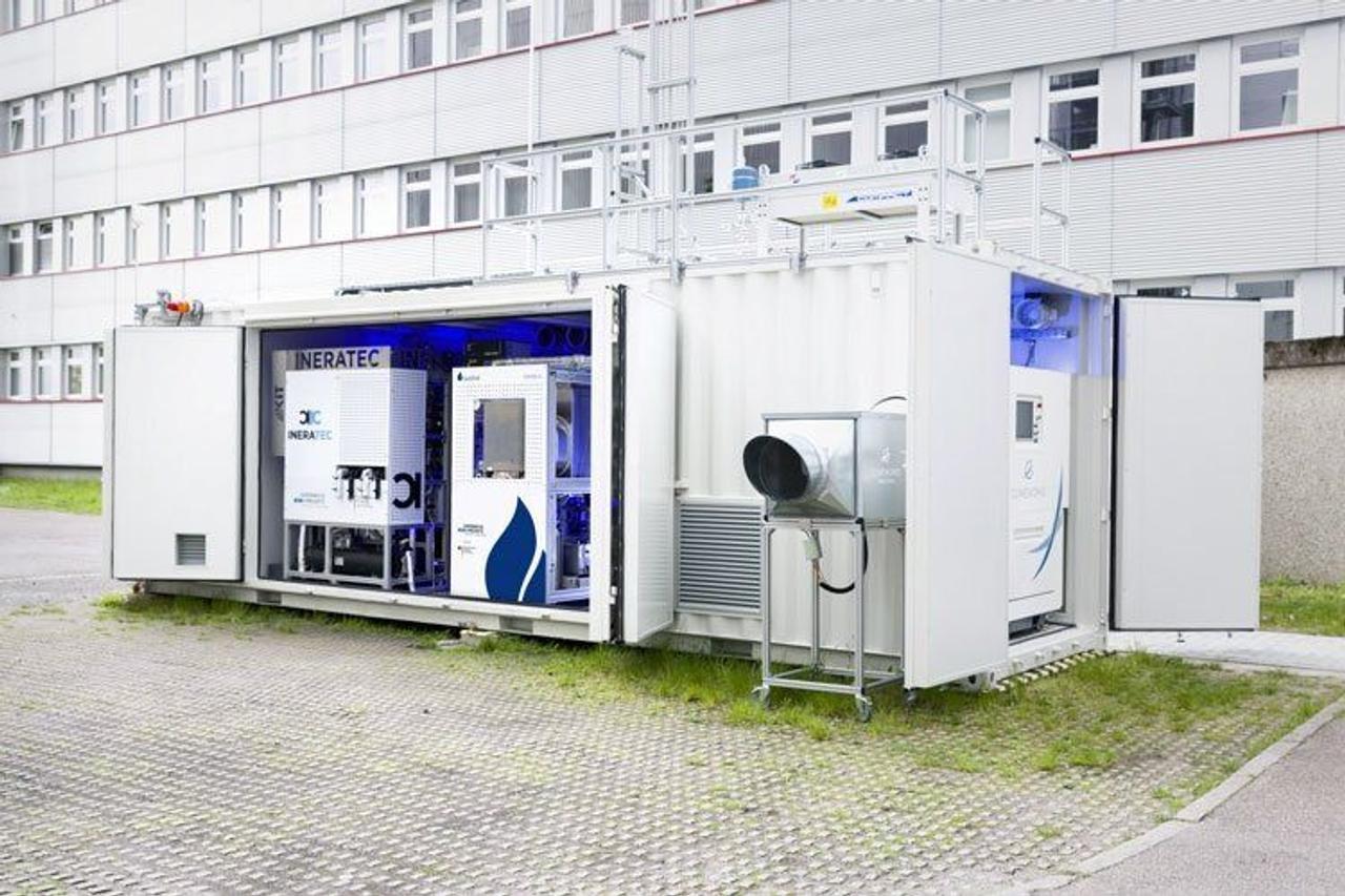 Мобильная установка по добыче топлива из воздуха будет иметь производительность 2000 литров в сутки