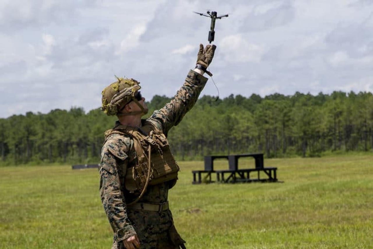 Для армии США создали крошечные дроны, которые могут работать как автономные гранаты