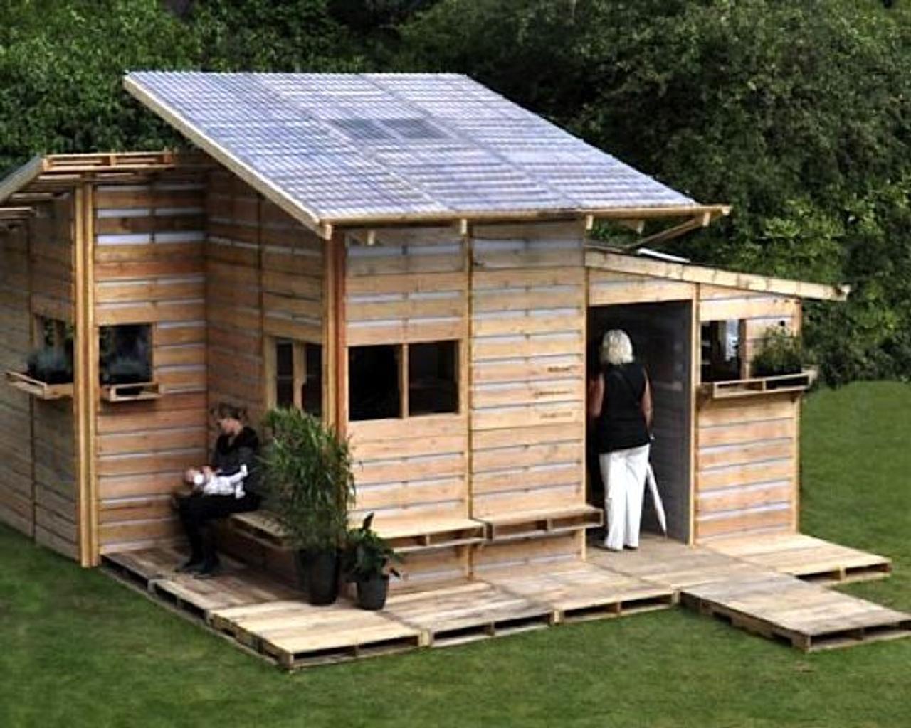 Cтроительство дачного домика из поддонов за 1 день, своими руками