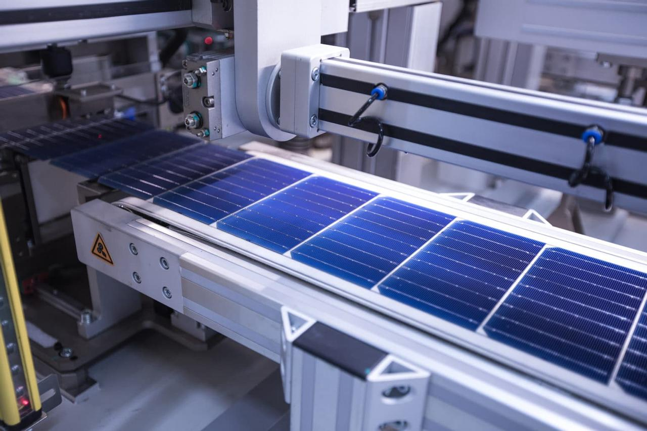 Китайский производитель солнечных элементов установил новый рекорд эффективности преобразования в 25,09%