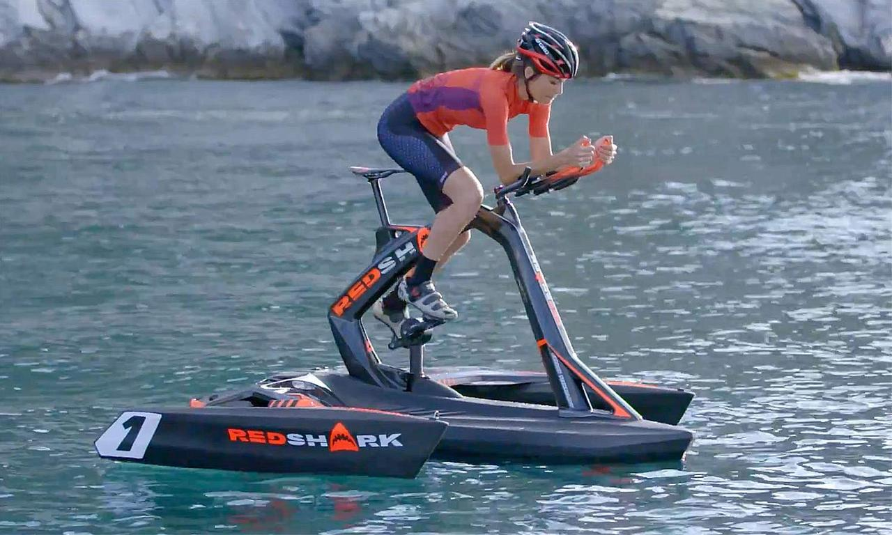 Оригинальный гаджет для велосипедистов Red Shark Bikes: тримаран - велосипед