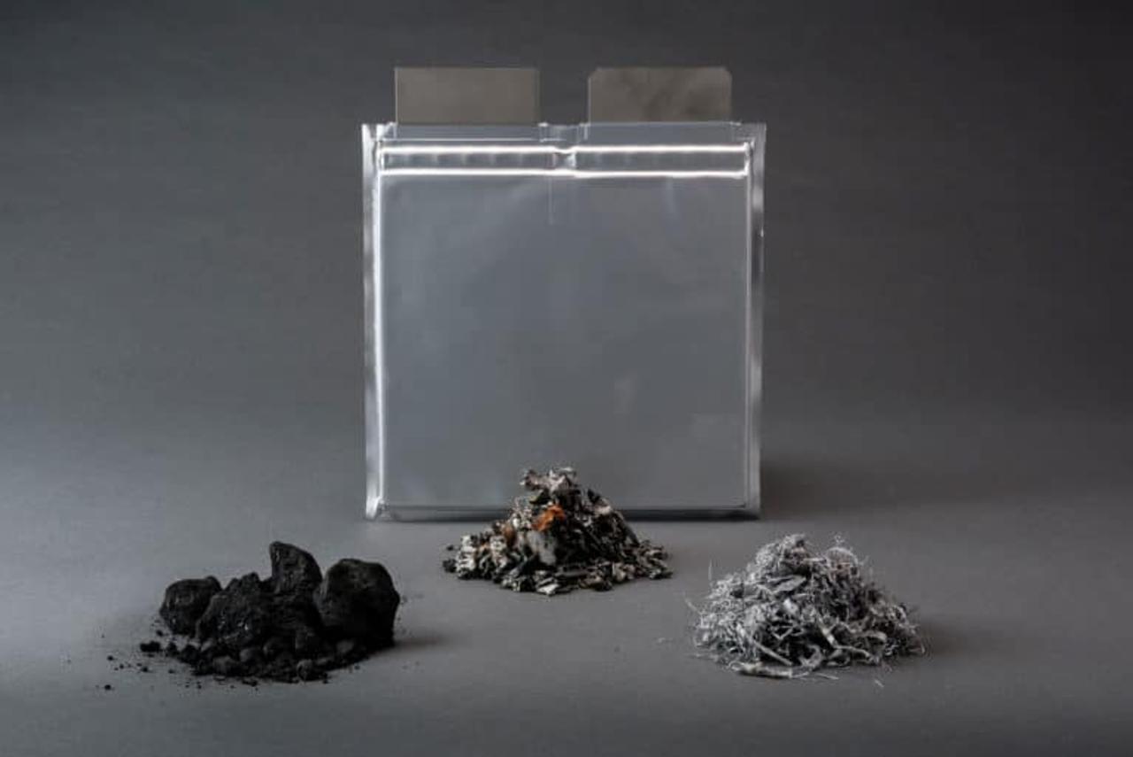 Революционная технология делает переработку старых аккумуляторов рентабельной